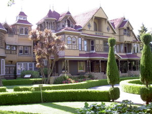 winchester-mystery-house-cali-1547880-300x225